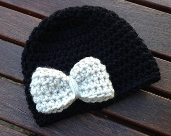 Infant size bow hat in black with linen or you pick colors