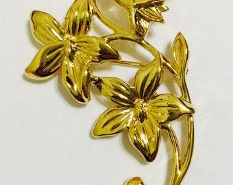 Avon Brooch Seasonal Bouquets Pin Violet 1991 Gold Plate Flowers in Box