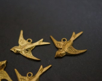 Solid Brass Simple Sparrow Swallow Birds Pendant Charms - 2 pieces (No Coupons)