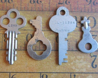 Skeleton Keys - Vintage Antique keys-  Barrel keys- Steampunk - Altered art s77