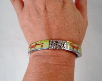 Crocodile Pictures Silvertone Stretch Bracelet