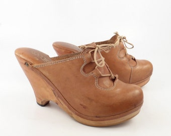 Leather Wooden Clogs Vintage 1970s Wood Platform Tan Natural Brown Connie Women's size 7