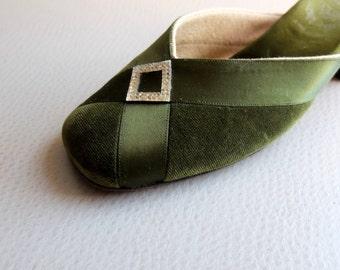 Vintage DELMAN Roger Vivier Green Velvet Evening Shoes - size 5M - Slide/ Mule / Slipper - Made in France - Holiday Formal Chic - size 5