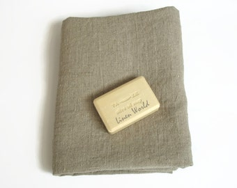 100% Linen Bath Towel. Softened Pre-washed Pure Linen Bath Sheet. Grey Gray Linen Bath Towel. Rustic style. Shabby style.
