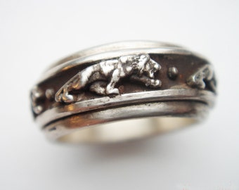 """Silver Ring. Five """" Rotating Lions """""""