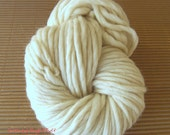 Bulky eco wool yarn soft from Northern Europe