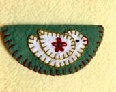 Charming appliqued bird on wool felt needle case