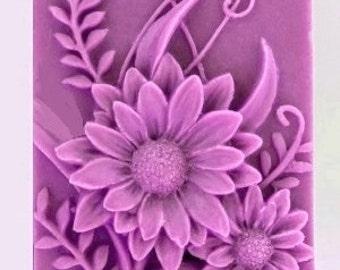Daisy Soaps -  Organic Soap - Decorative Soap - Flower Soap  -  Natural Soap -  Glycerin Soap - Moisturizing Soap  - Essential OIl Chamomile