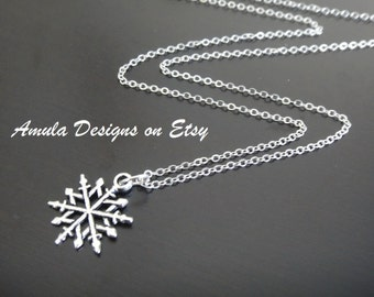 Antique Silver Snowflake Christmas Winter Wonderland Necklace