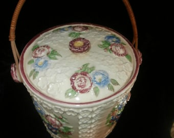Cookie Jar: White Raised Floral~ Bamboo Handle ~ Cookie Jar ~ Japan Excellent Condition
