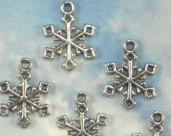 BuLK 50 Snowflake Charms Antique Tibetan Silver Tone 20mm 2 Sided Slim for Holiday Cards (P1707 -50)