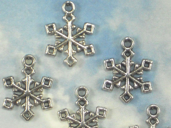 bulk 50 snowflake charms antique tibetan silver tone 20mm 2
