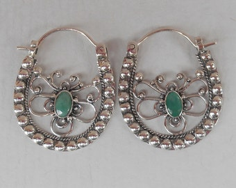 Sterling Silver emerald hoop Earrings /  silver 925 /  unique handmade jewelry / granulation art / 1 inch long / (#620m)