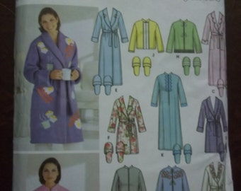 Robe Slipper Miss size XS S Med 6 to 16 Simplicity 5778 sewing pattern