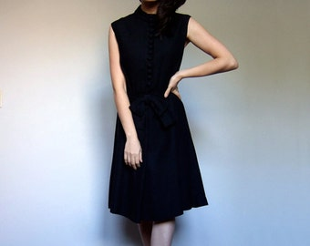 1960s Black Button Dress Bow Sleeveless Simple 60s Party Dress LBD - Large L