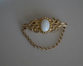 Vintage 1980's Gold Metal Filigree Bar Brooch with Opaque White Oval Center & Hanging Chain- Excellent Condition