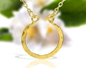 Gold horseshoe Necklace,  simple Necklace, dainty Gold necklace, hammered Gold horseshoe necklace, simple gold necklace