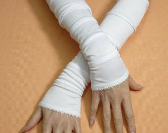 Long segmented Armwarmers in White, Fingerless Stretchy Steampunk Gothic Gloves with Lace Trim, Vampire Tribal Dance, Cyber Punk Armstulpen