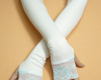 SALELong Bridal Armwarmers with Thumb Holes White Blue  Retro Fingerless Wedding Gloves, Bridal Stretchy Sleeves, 20's Arm Covers Lace