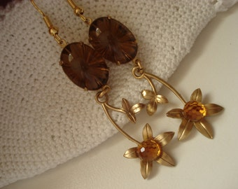 Vintage Smokey Topaz Starburst and Crystal Faceted Glass 1960's Ball Rhinestone Gold Flower Floral Dangle Earrings Woodland Autumn