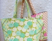 Tote bag sewing pattern- pattern for a simple, chic and roomy tote bag
