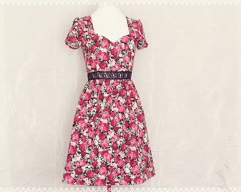 Romanticizing in the Red Rose Garden Dress - Floral Dress with Black Lace Waist and Sweetheart Neckline, OOAK Valentine Dress in Size Small