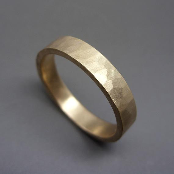 Goldring matt  4mm rustikal gehämmert Gold Ring dick Ehering in solide 14 k