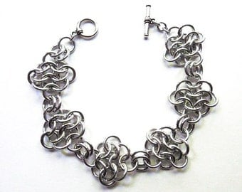 Chainmaille rosettes bracelet, Aluminum, Chainmaille jewelry, Large
