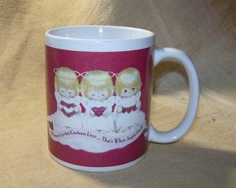 Vintage Christmas Angels Red Mug / Vintage Red Houston Harvest Angels Mug / Vintage Hallmark Angels Red Mug