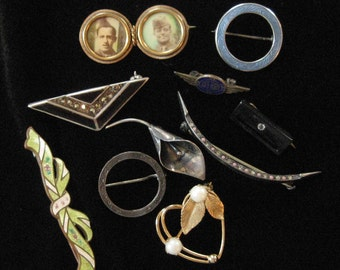 LOT: Tiny Antique Pins, Art Deco, Victorian, Sterling, Enamel, Gold Filled