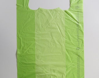 "100 Lime Plastic Medium T-Shirt Bags with handles, 11 1/2"" x 6"" x 21"""