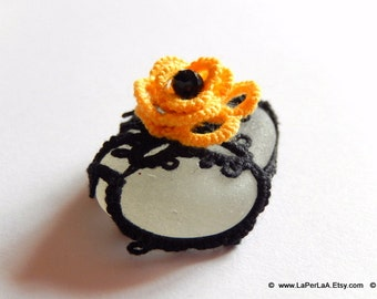 Mermaid Tears Sea Glass - decoration - BLACK and YELLOW - Genuine Organic Tatted Lace and Crochet Covered Sea Glass from Amalfi