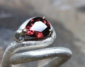 Dark Red Zircon Abstract Om Symbol Silver Ring 10K Yellow Gold Prongs Rustic Texture Unique Crimson Pear Drop Gemstone Design - Tamil Om