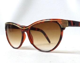 vintage 1980's cat eye round sunglasses brown tortoise shell plastic frames sun glasses womens accessories accessory fashion retro modern