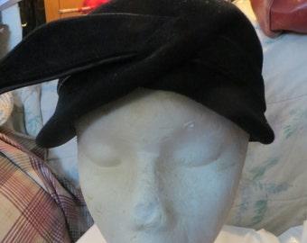 vintage   1930   / 40s   womens black wool    cloche hat