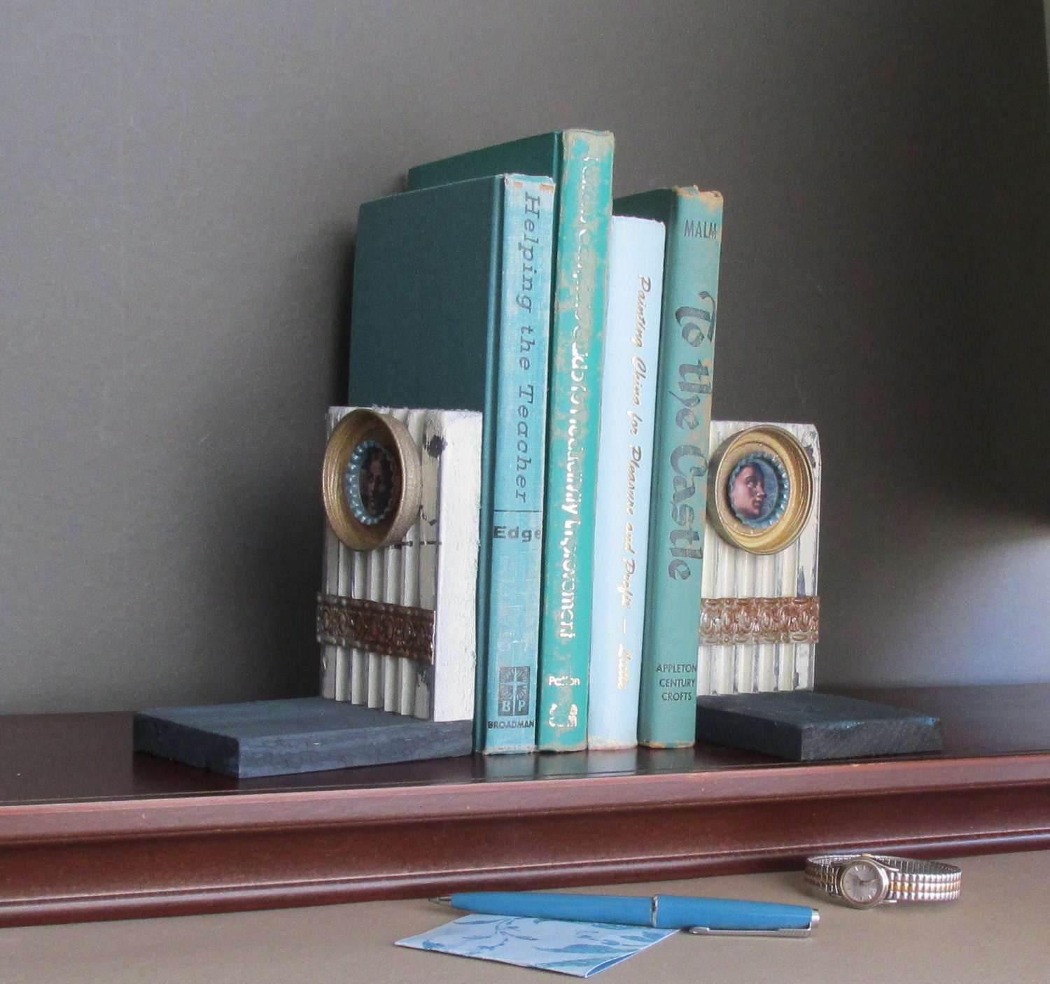 Bookends vintage home decor fresco recycled materials for Home decor made from recycled materials