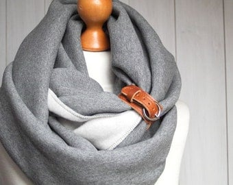 EXTRA CHUNKY Infinity Scarf with leather cuff, high street fashion infinity scarf, cozy SNOOD, simple winter scarf, gift ideas