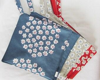 "MARIMEKKO pot holder,  hostess/ house warming gift,  authentic fabric called ""Puketti"" from Finland, Handmade certified"