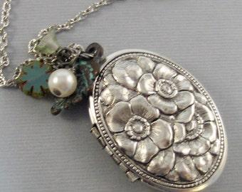 Woodland Pine,Necklace,Green Locket,Green Flower,Pine Neckalce,Silver Locket,Silver Necklace,Antique Locket,Sage,Vintage  valleygirldesigns.