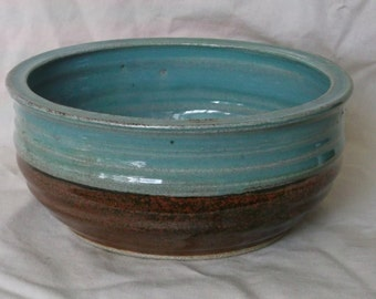 Medium Sized Serving Bowl (Green and Brown)