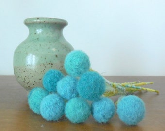 Turquoise Pom pom Flowers - Pompom flower Bouquet - Craspedia Floral Arrangement - Wool pompoms - Blue Woolly Heads - Wool felt ball Pompoms