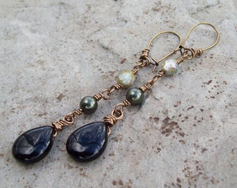 Dangle Black Onyx Gemstone Teardrop Earrings - Dark Green Swarovski Pearl Earrings - Rustic Earrings, beaded drop earrings