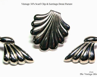 Silver Demi Parure Scarf Clip or Dress Clip & Matching Earrings in Rippled Shell Modernist Motif - Vintage 50's Costume Jewelry Sets