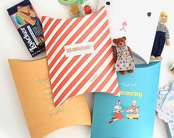 4 Adorable Pattern Gift Bags - M size (8.5 x 6.3in)