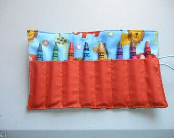 Zoo jungle animals crayon roll up 8 count