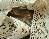 Shabby Chic Vintage Scalloped Edge Ecru Crochet Lace Trim 1.5 inches wide– 1 yard