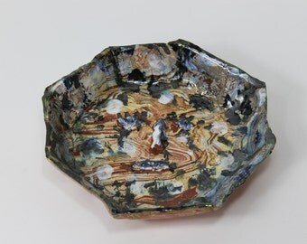 Faceted Agateware Bowl with face