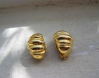 Gold Unsigned Shrimp Clip Earrings