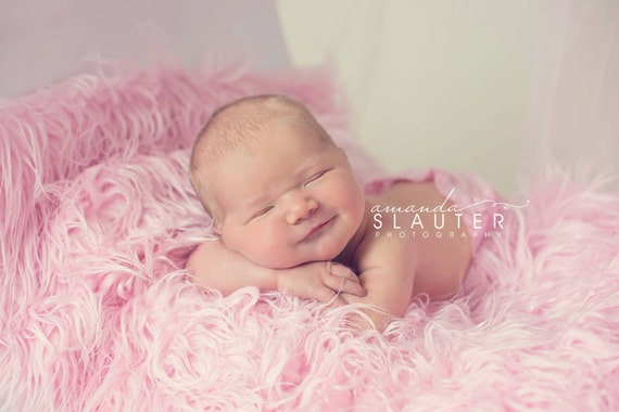 Soft Pink Mongolian Faux Fur Nest Photography Prop Rug Newborn Baby Toddler 27x30