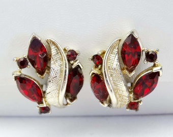 """By """"Lisner"""" Red Rhinestone Clip On Earrings Gold Plated Apparel & Accessories Jewelry Vintage Jewelry Earrings Clip On Earrings Rhinestone"""